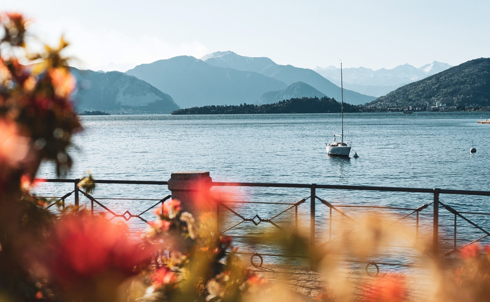 Il progetto/The project Laveno: lago
